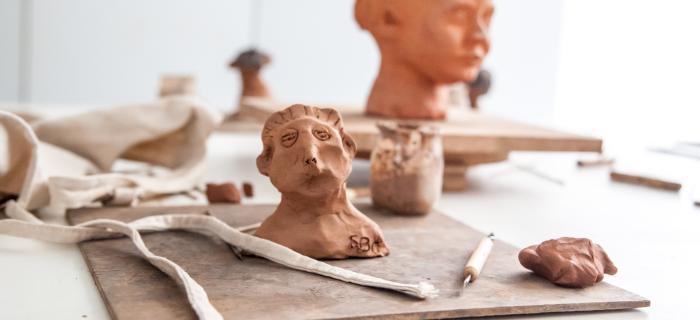 Atelier de modelage Sculpteur à quatre mains (c) Elodie Ratsimbazafy