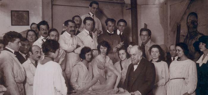 Bourdelle et ses élèves à l'Académie de la Grande Chaumière, vers 1921