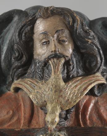 Atelier de sculpture de Joinville-Vignory (Haute-Marne, Lorraine, actif 1393-1442) (attribué à) Trinité, clef de voûte, relief 1ère moitié XVe siècle Pierre peinte 42 x 37 x 29,5 cm Inv. MBCO137