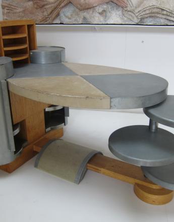 Michel DUFET Bureau de dame ovale en bois, zinc et parchemin  1930 Bois, zinc et parchemin  107 x 148 x 97 cm  Inv. MBDU027 Musée Bourdelle Paris
